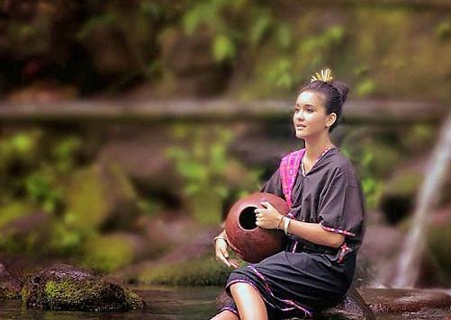 pakaian adat baju lambung suku sasak biasanya dipakai saat upacara adat  seperti - Brainly.co.id
