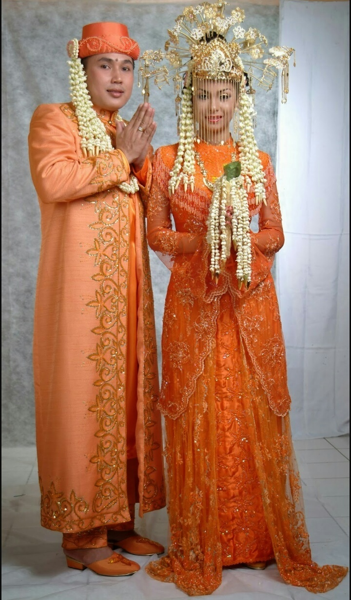 gambar baju pengantin betawi - Brainly.co.id