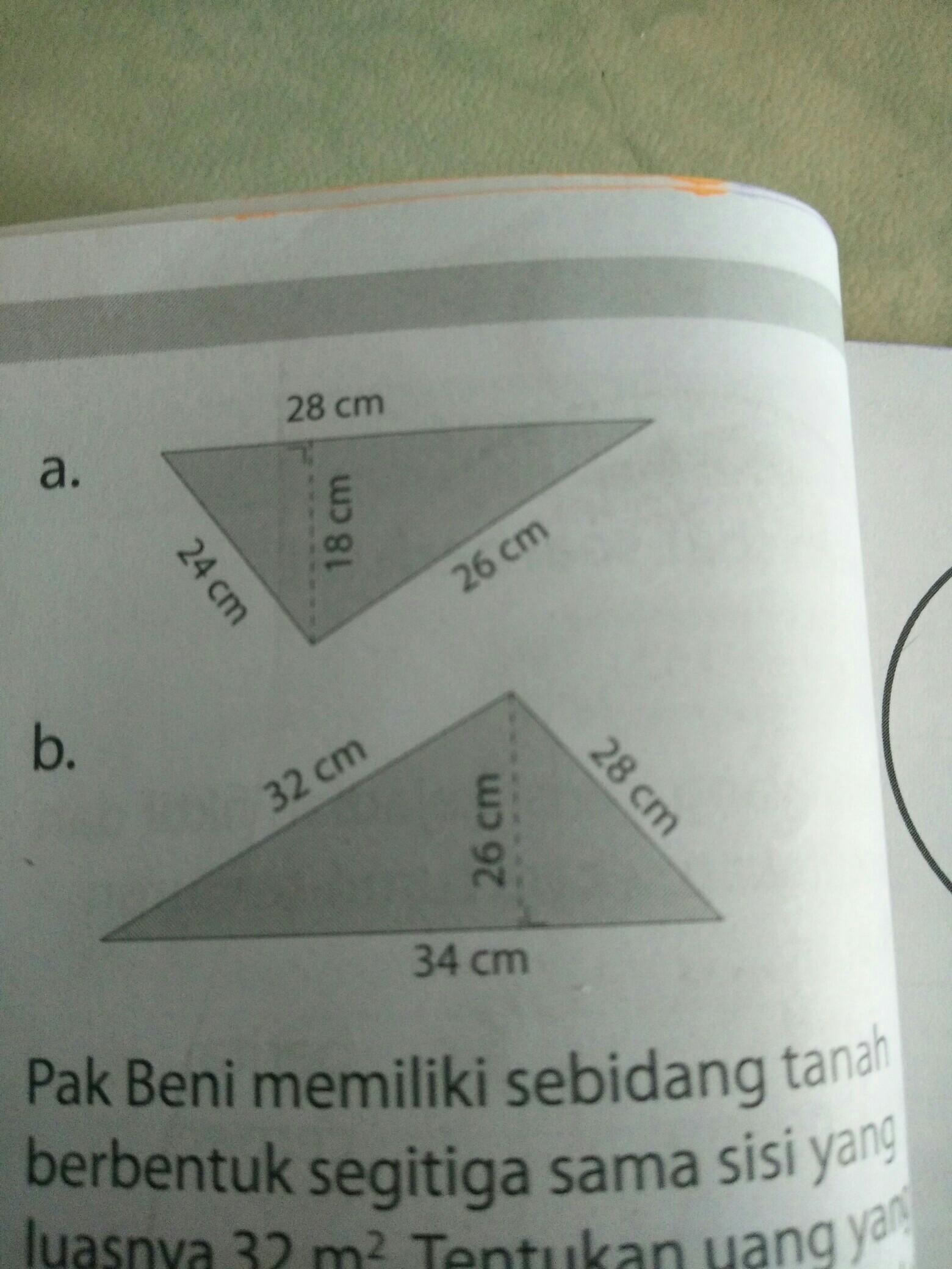 perhatikan segitiga berikut keliling dan luas segitiga ...